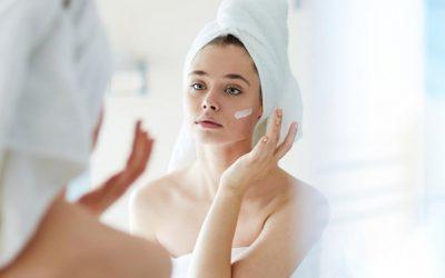 5 продукти за убавина што дерматолозите никогаш не би ги ставиле на своето лице