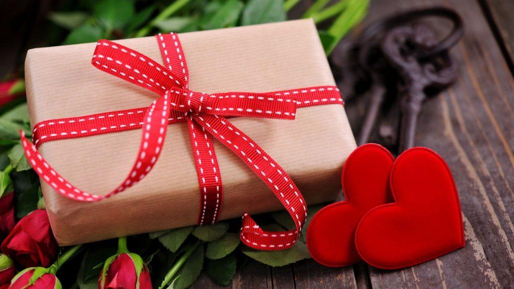Разубавете му го Денот на вљубените на партнерот според неговиот љубовен јазик