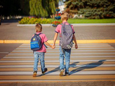 Според научниците, децата под 14 години не се безбедни самите да поминуваат прометни улици