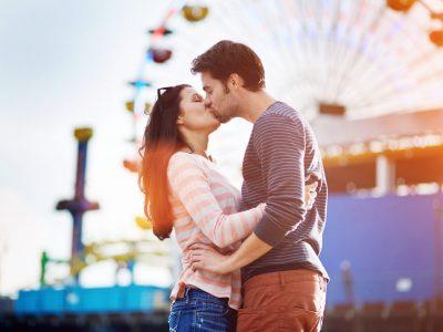 Според научниците, секојдневното бакнување на партнерот ќе ви помогне да живеете подолго