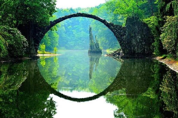 10-те најчудни места во светот кои вреди да ги посетите