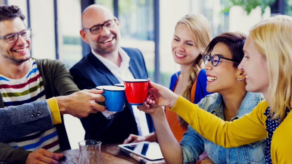 3 причини зошто е добро да имате пријатели на работа
