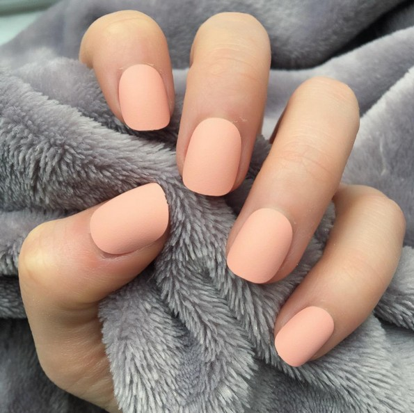 6 бои на лакови за нокти што ќе бидат хит оваа пролет