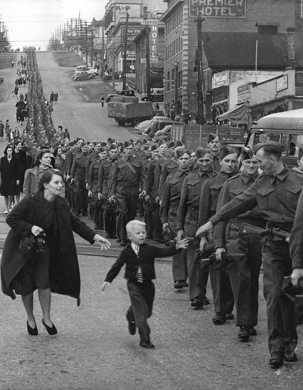 Навидум обични фотографии коишто кријат неверојатни приказни