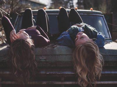 Како да бидете уште подобра најдобра пријателка?