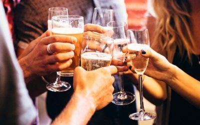 Пиењето алкохол можеби е поопасно за младите отколку што мислиме