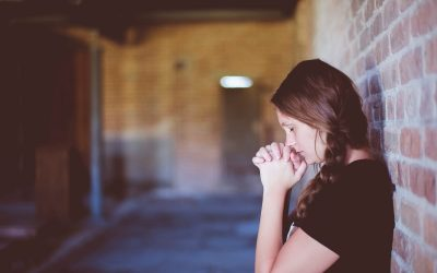 9 нешта што никогаш не треба да му ги кажете на некого со анксиозност