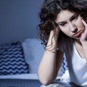 Честото будење во текот на ноќта го зголемува ризикот од Алцхајмер
