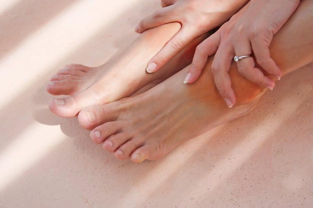 Што кажуваат отечените стапала и глуждови за вашето здравје?