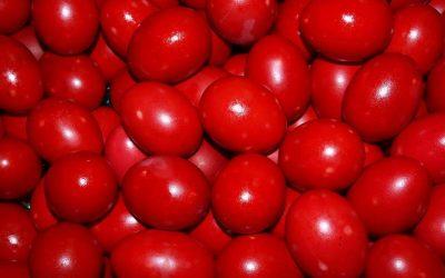 Старо верување: Што значи доколку се скрши овогодишното јајце чувар на куќата?