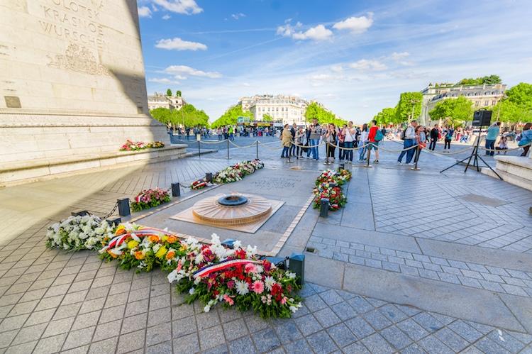 5 интересни факти за Триумфалната порта во Париз