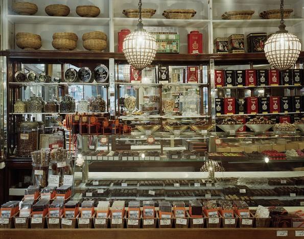 Погледнете ја најстарата слаткарница во Париз