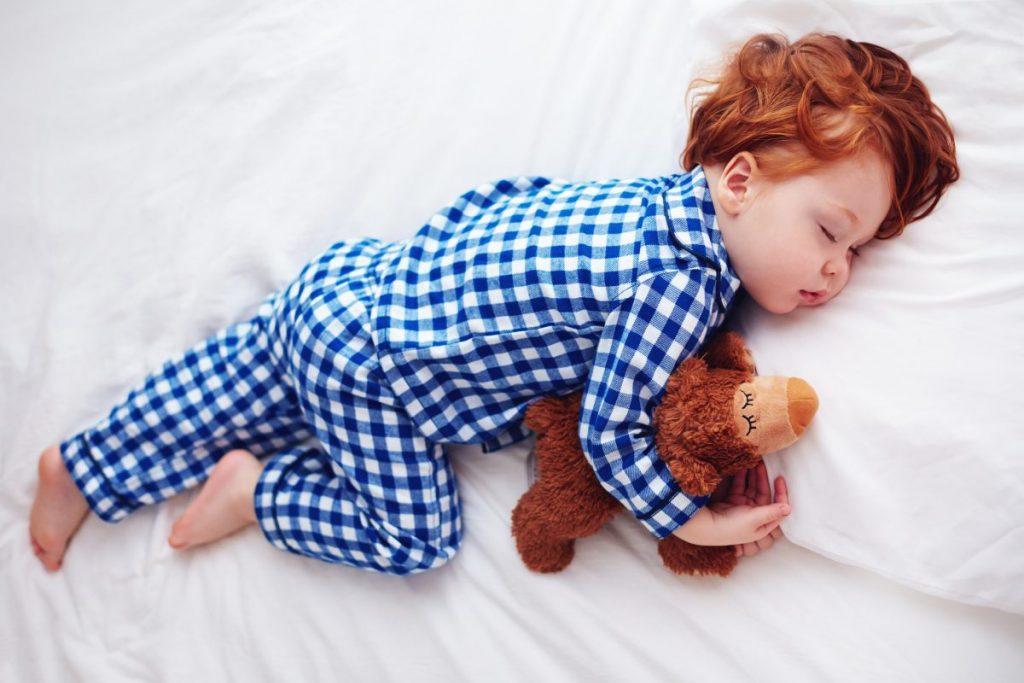 Децата постари од 2 години не би требало да спијат во текот на денот