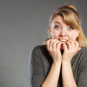 Грицкање нокти: Причини и последици