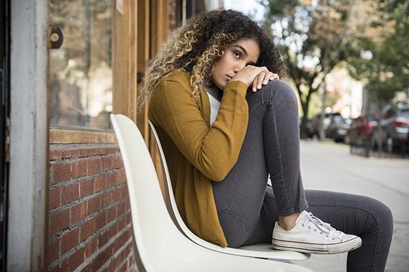 10 навики кои ги имаат луѓето со анксиозност, а не се свесни за нив