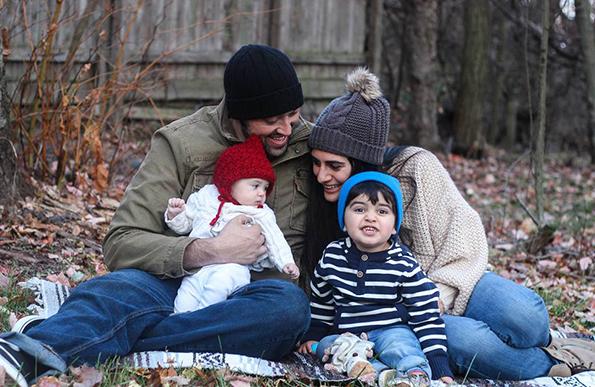 Бесценета реакција на маж кој дознава дека ќе стане татко по третпат