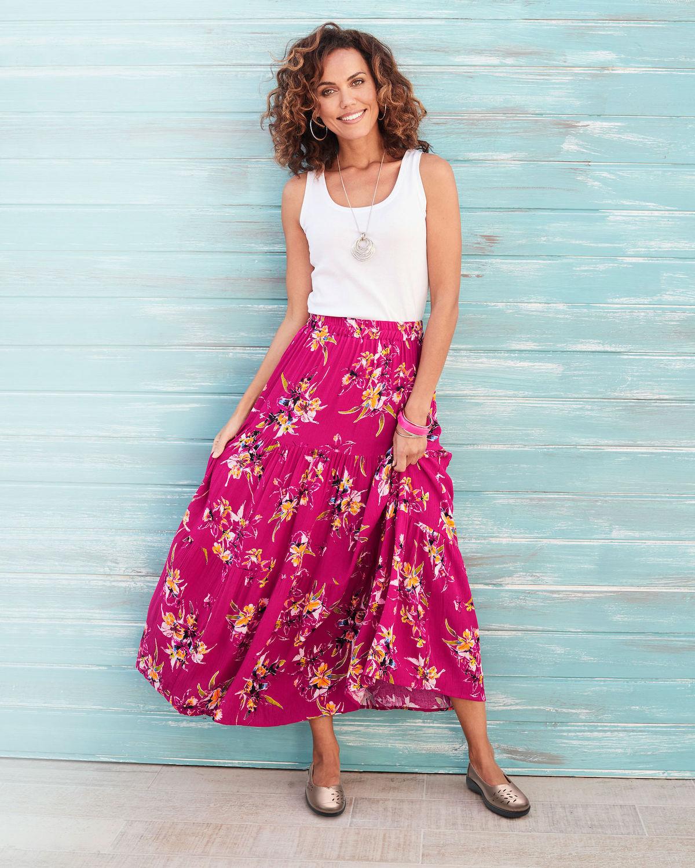 Исцелувачката моќ на женските здолништа: Зошто е важно жените да носат сукњи и фустани?