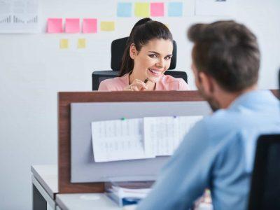 5 правила што треба да ги знаете ако сакате да започнете љубовна врска со колега