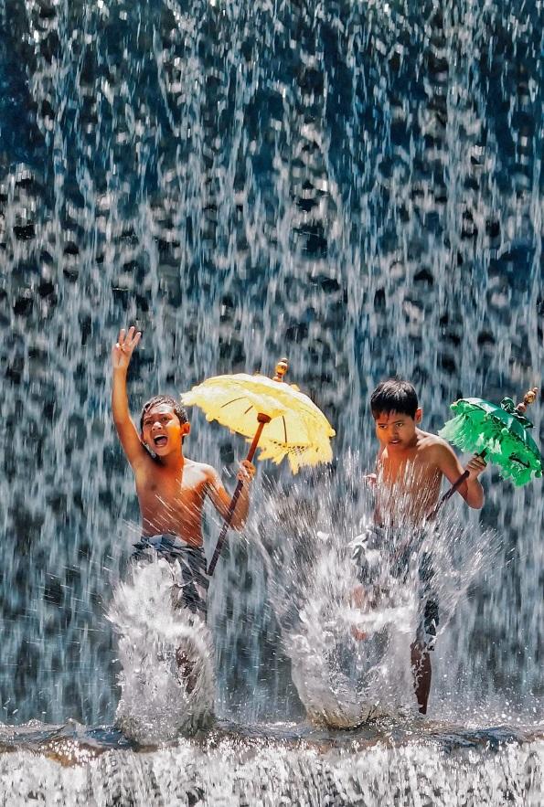 Фотографи преку нивните фотографии се обиделе да прикажат што значи среќата ширум светот
