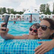 Мајка на моќен начин опишува како социјалните медиуми ја рушат самодовербата кај родителите