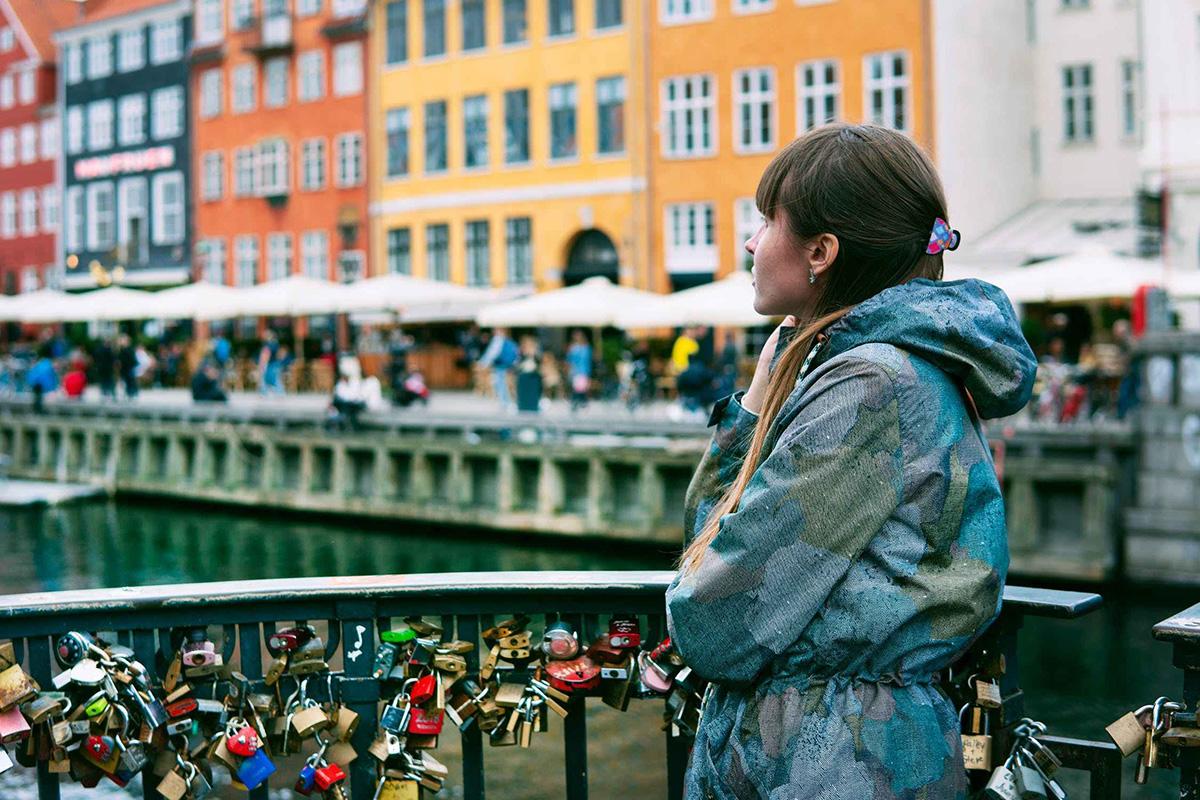 Данците се најсреќниот народ на светот, а еве како тие се носат со стресот