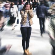 Што да направите ако на јавно место доживеете паничен напад?