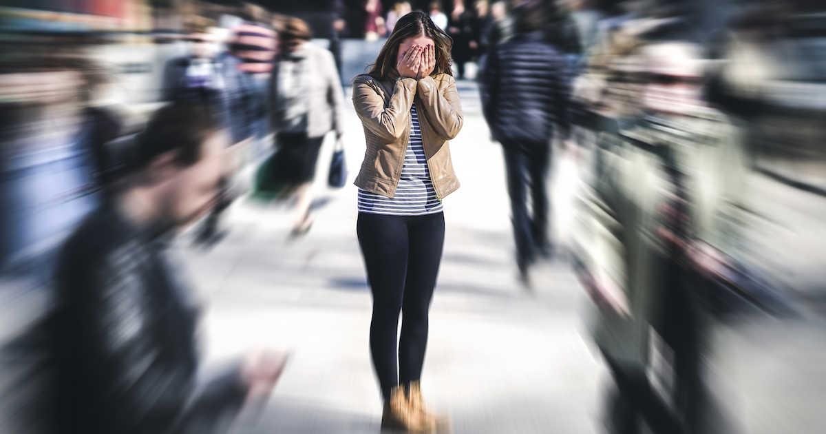 Што да направите ако на јавно место доживеете напад на паника?