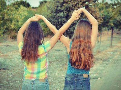 Врската меѓу сестрите е посебна и нераскинлива: Најдобри пријателки за цел живот