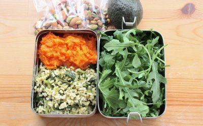 Кулинарски трикови: 4 здрави оброци кои можете да ги понесете на работа