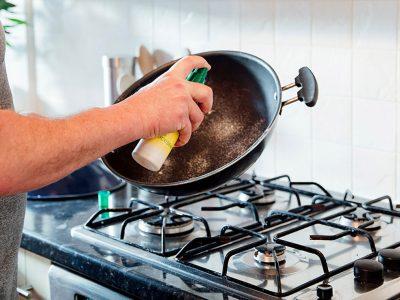 Неверојатен трик за намалување на маснотиите при готвење: Направете сами масло за пржење!