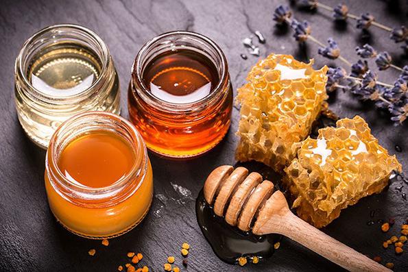 Како да проверите дали медот е природен?