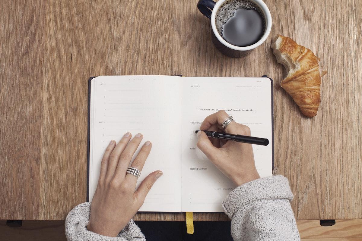 Оглас за ангажирање новинар-уредник на Кафе пауза