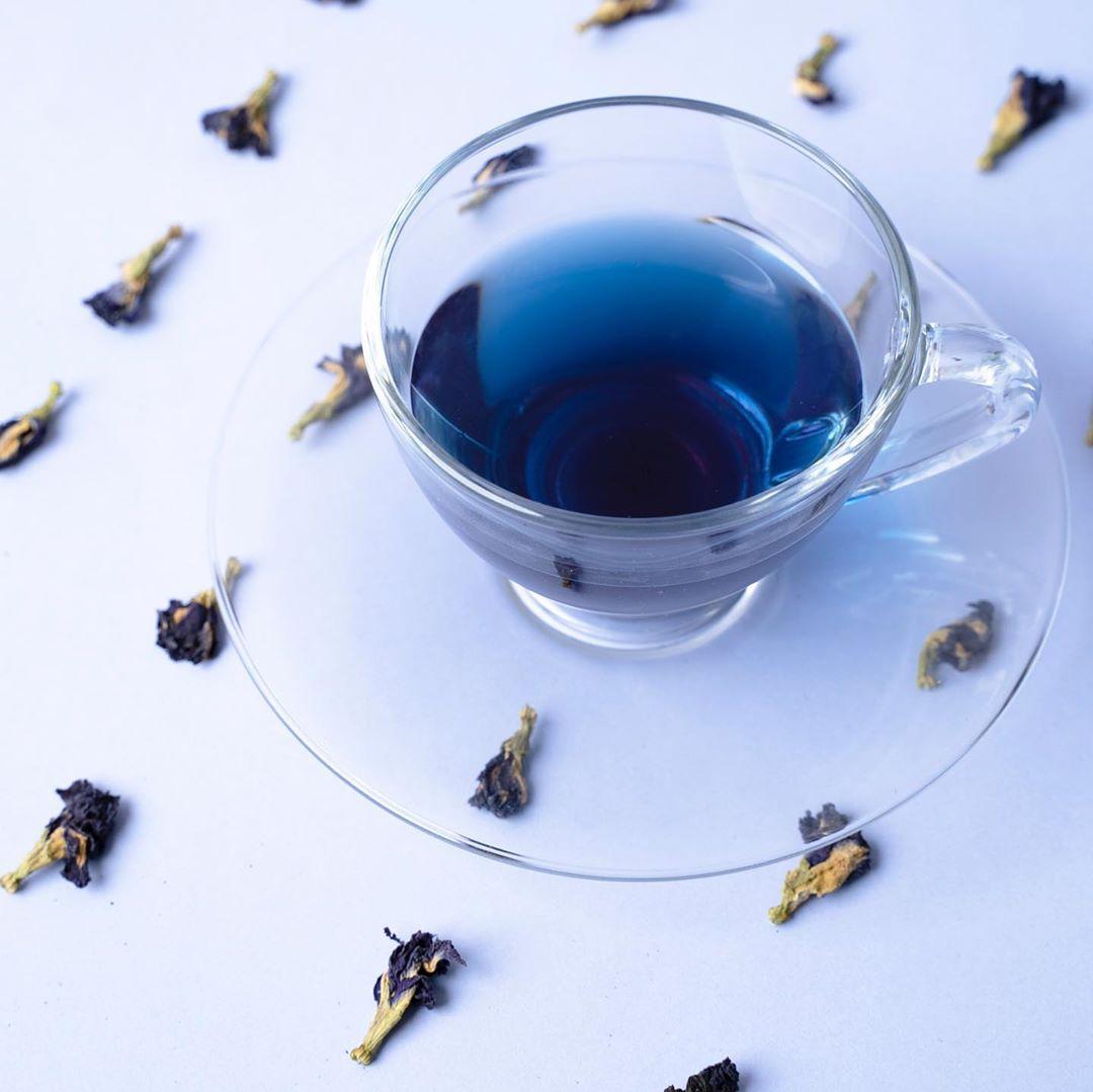 Син чај: Тренд кој ги освои социјалните мрежи