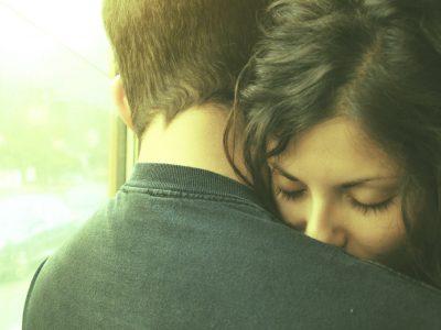 5 емоционални рани од детството кои влијаат на нашите љубовни врски