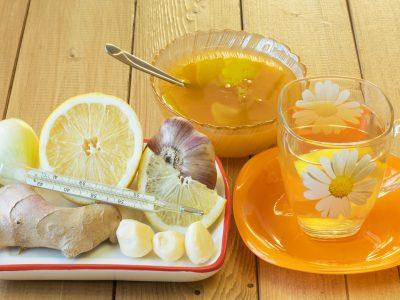 Овие 10 природни антибиотици ги убиваат бактериите во вашето тело, а повеќето ги имате во кујната