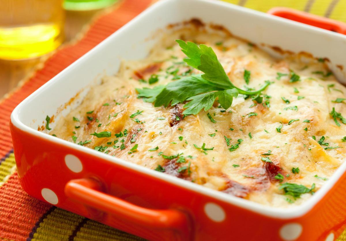 Потпечен компир со кашкавал: Гурмански рај поради кој ќе заборавите на месото!
