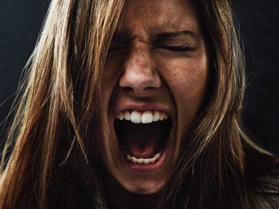 10 причини зошто е потребно да го прифатите вашиот гнев