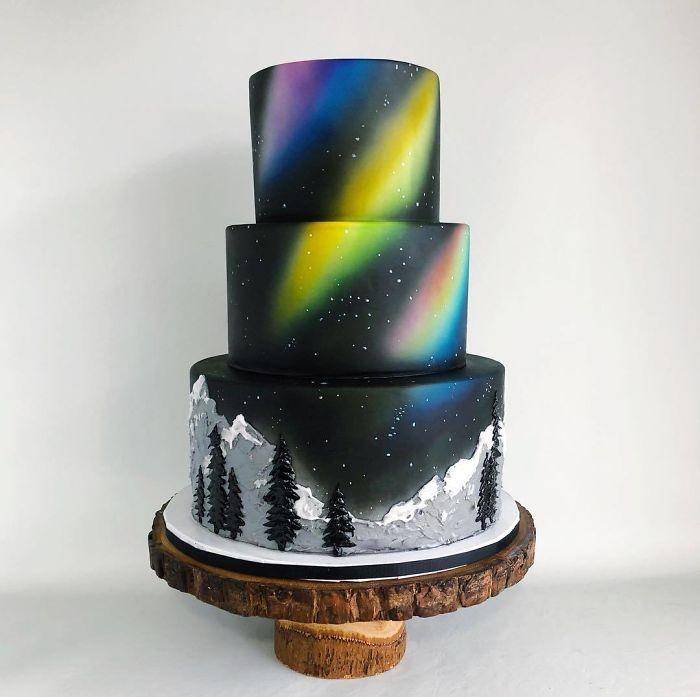 """(17)Талентираната слаткарка Дарси работи во слаткарницата """"Кејк"""" во Канада, која е популарна помеѓу локалните жители по своите уникатни креации на свадбени торти."""