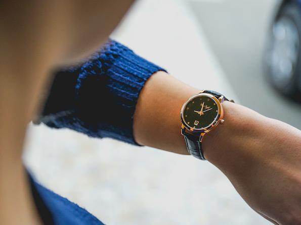Тренди женски часовник кој ги засени сите дизајнерски часовници