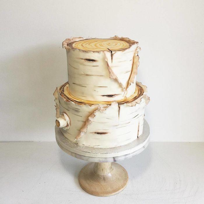 """(15)Талентираната слаткарка Дарси работи во слаткарницата """"Кејк"""" во Канада, која е популарна помеѓу локалните жители по своите уникатни креации на свадбени торти."""