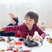 5 вештини кои вашето дете ќе ги научи од лего коцките