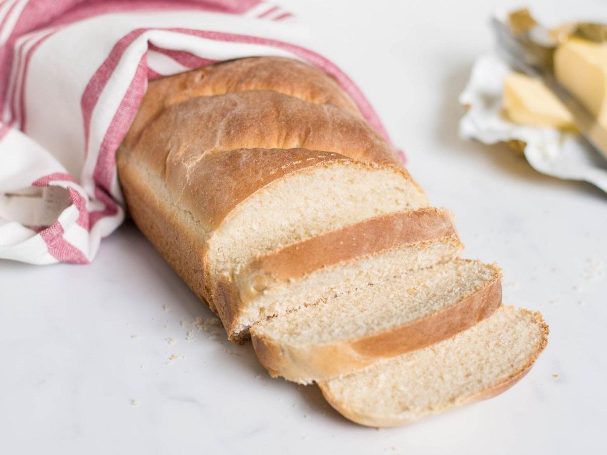 Како да ја вратите свежината на стариот леб?
