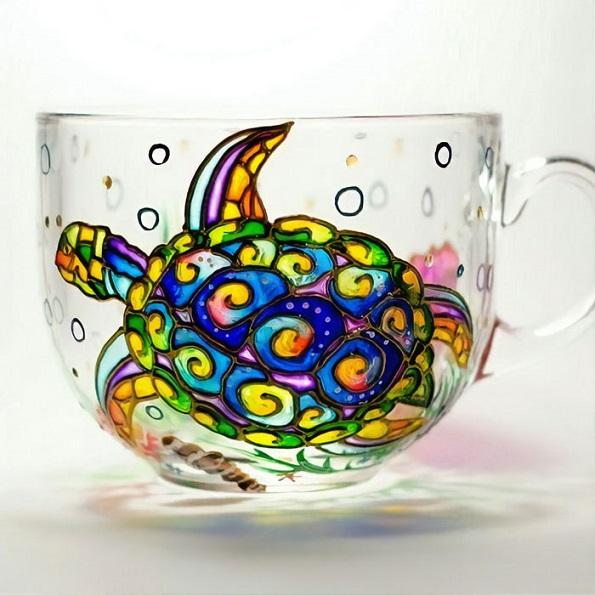 Прекрасни цртежи нацртани на стаклени садови