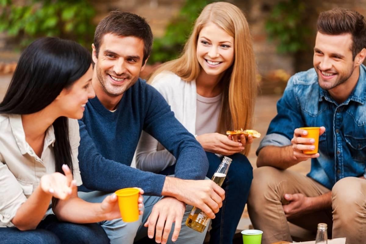 Зошто сме поучтиви со непознатите отколку со блиските?