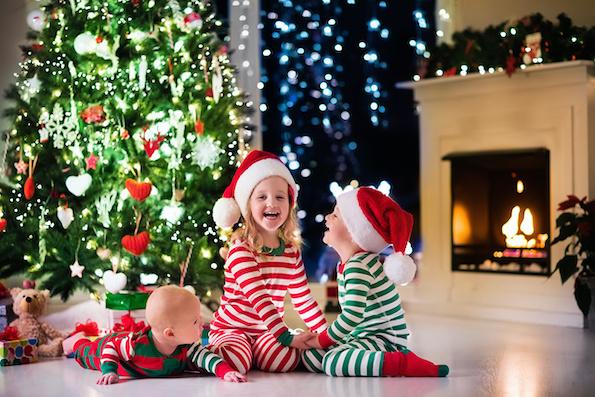 Знаете ли зошто црвената и зелената се боите на Божиќ?