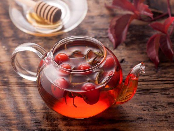 Магичната шипка: Од неа можете да направите чај, тоник, лосион, мармалад, па дури и вино!