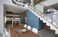 Руски стан за кој сонува секое семејство: Влезете во овој раскошен дом со преубави бои