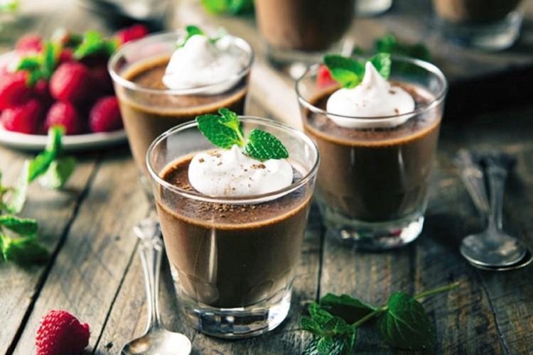 Десерт во чаша: Меден мус