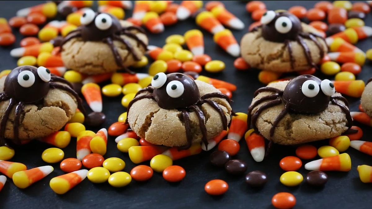 Израдувајте ги вашите најмили со овие пајак-колачиња