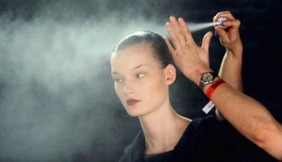 Како правилно да користите лак за коса?